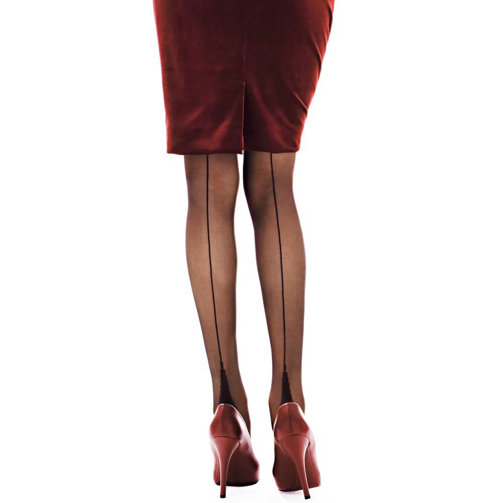 0490a1d002d3 Mini guida al look di Primavera parte seconda  gonne e pantaloni ...