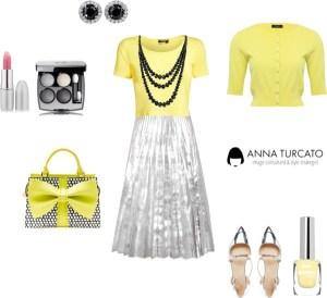 Yellow lady di annaturcato contenente wide shoes