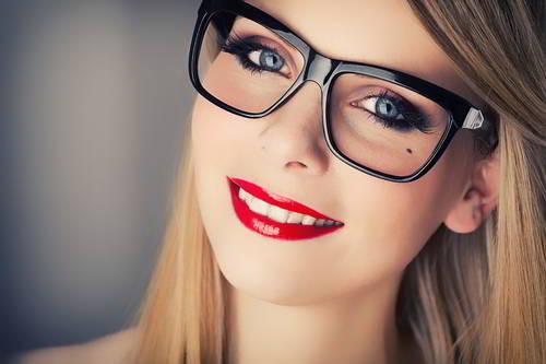 occhiali-da-vista-e-trucco-occhi