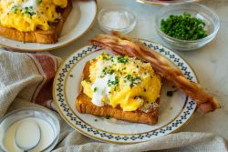 Scrambled eggs with Horseradish and Sour cream