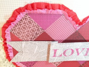 01-16 ABD FAUX QUILTED VALENTINE DOOR DECOR 7