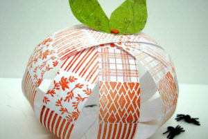 einat-kessler-halloween-paper-pumpkin-690x462