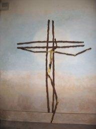Christ : acier rouillé, feuilles d'or