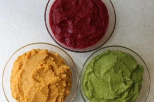 kolme eri väristä hummusta