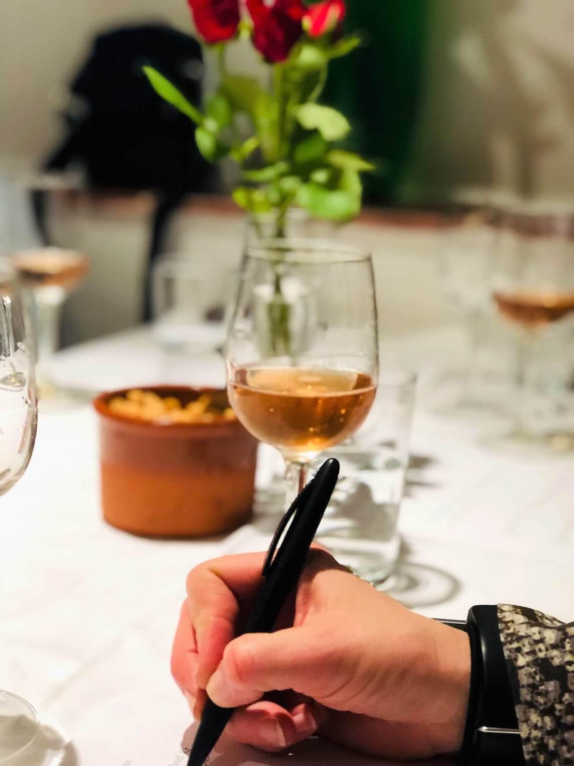 Det er tid for årets andre vinslipp i måneden med de første vårtegnene. Er du klar for å prøve noe nytt? Her er noen forslag til nye viner - vårviner. Flesteparten av dem er sprudlende, for våren må jo feires!?