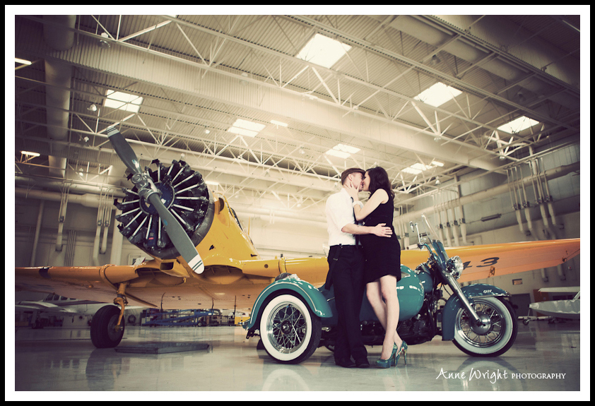 Maternity_portrait_Calgary_Airplane_Anne_Wright_Photography-5