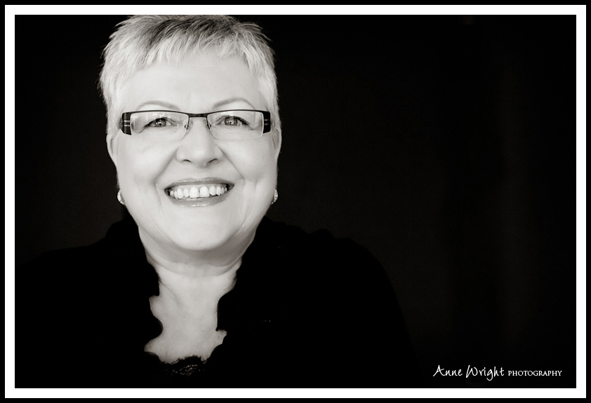 Portrait_Photographer_Calgary_Anne_Wright_Photography_Women_beauty (1)