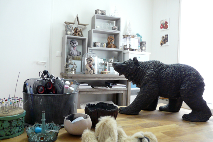 Atelier art lorraine sculpture textile L ours tombe des etoiles ours artiste Anne-Marie Verron Heillecourt artisan
