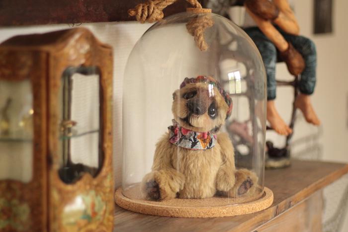 Anne Marie Verron sculpture textile objet decoration cabinet curiosite cloche verre