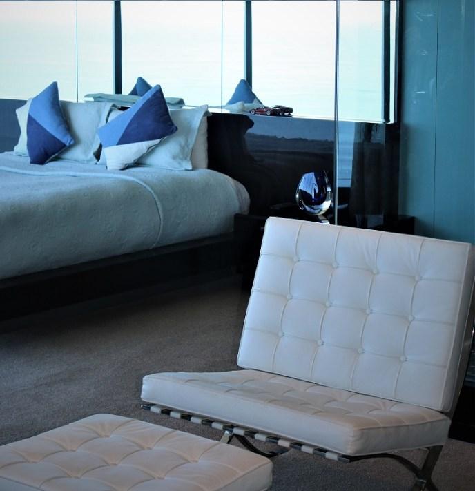 Luxurious minimalist Interior - Umhlanga Pearls Penthouse