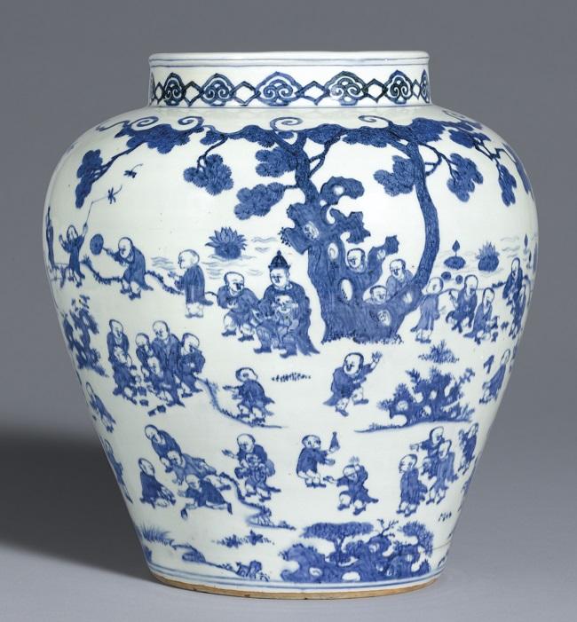 Cobalt-Blue-Ming-Dynasty-Jar