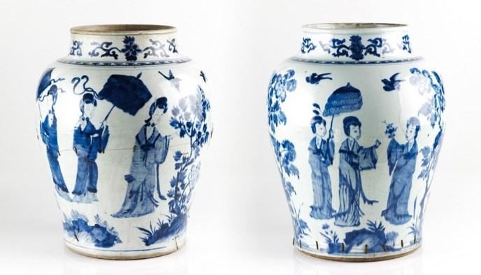 Ming-dynasty-blue-and-white-porcelain-vases