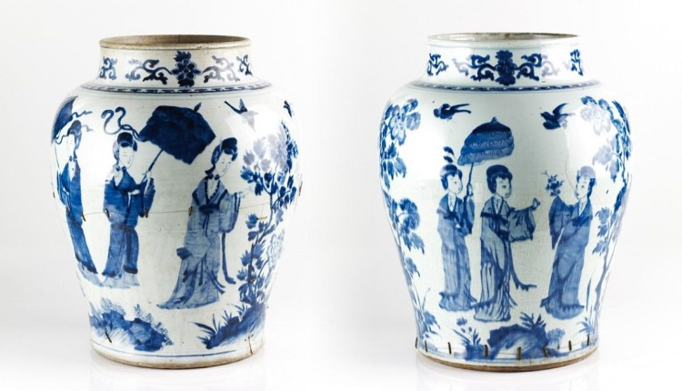 Ming-dynasty-blue-and-white-porcelain-vases