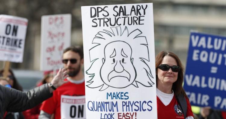 Denver  teacher  strike  exposes  US  divide  over  benefit  pay
