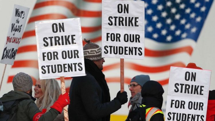 Denver Denver  teachers  win  pay  trek  in 'historic'  deal  to  end  strike