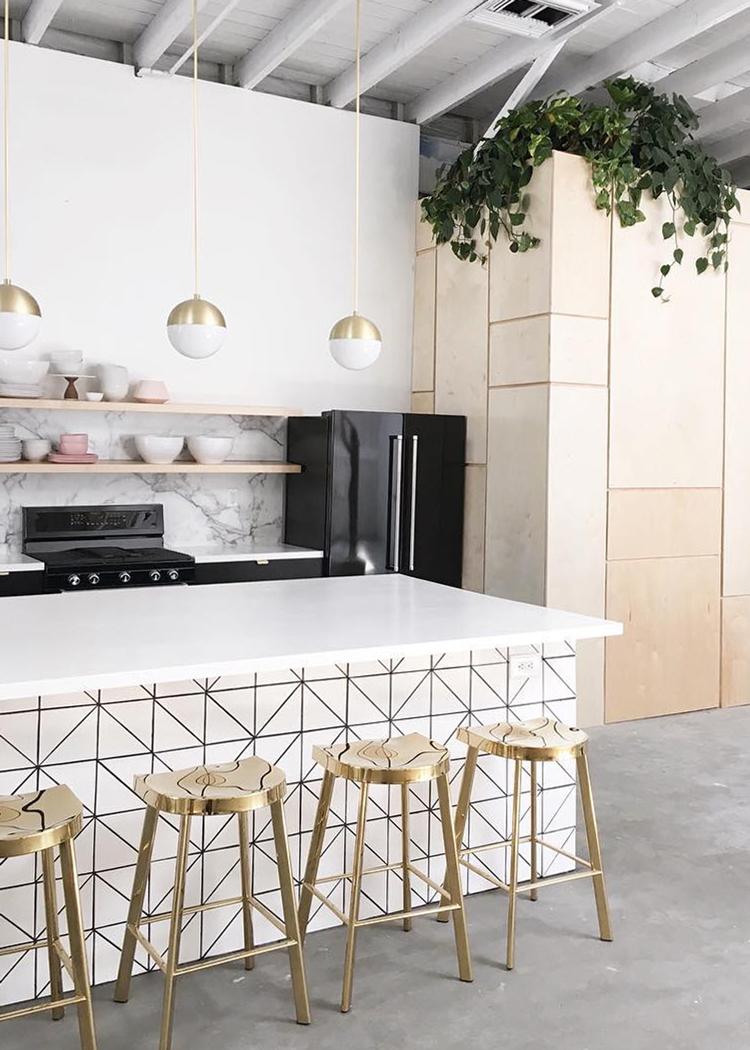 Modern Kitchen Decor with High Fashion Home - Anne Sage on Kitchen Counter Decor Modern  id=87463