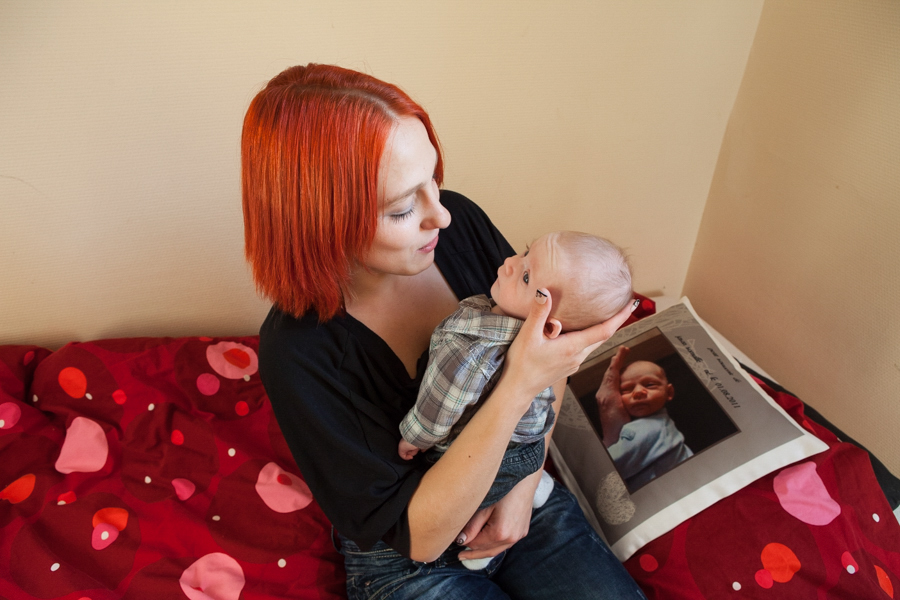Reportage - Young Mothers