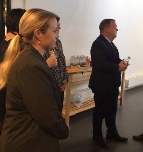 Annette Rieva med Lars Løkke Rasmussen i Hillerød Sundhedscenter