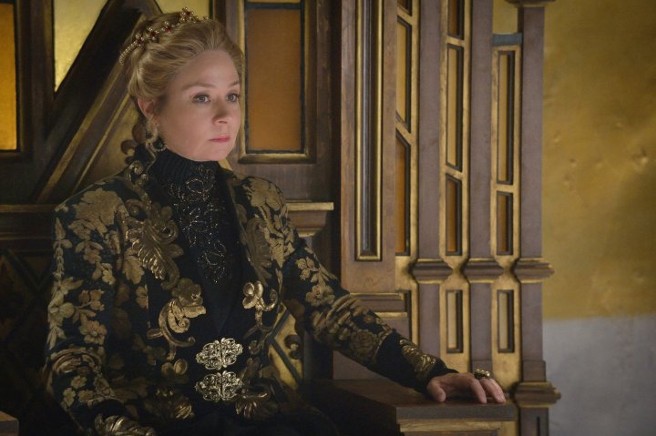 reign-queen-catherine-megan-follows