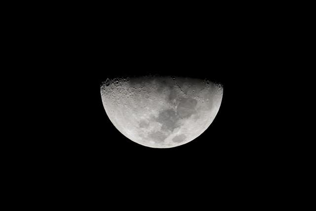 タイで見る半月