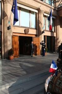 Sortie de l'Ambassade d'Arménie