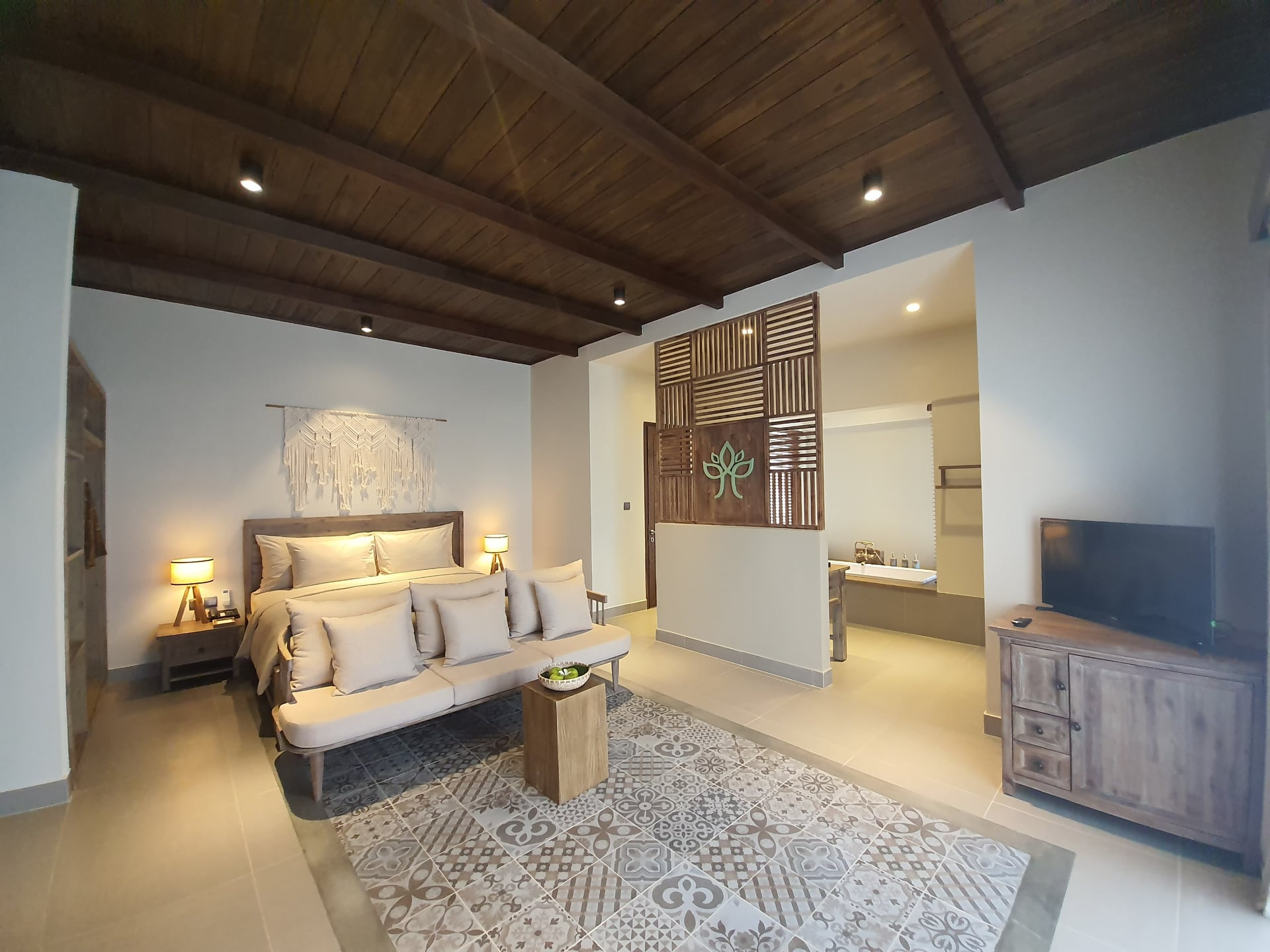 Room decoration with eco-friendly materials at Crown Retreat in Quy Nhon, Vietnam