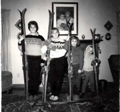 4 sisters w-skis