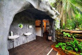 cavern-toilet
