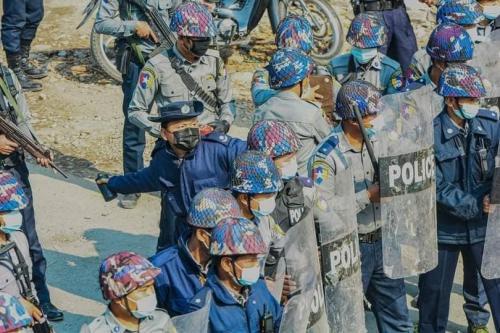 Original Image, pre-manipulation, of police officer