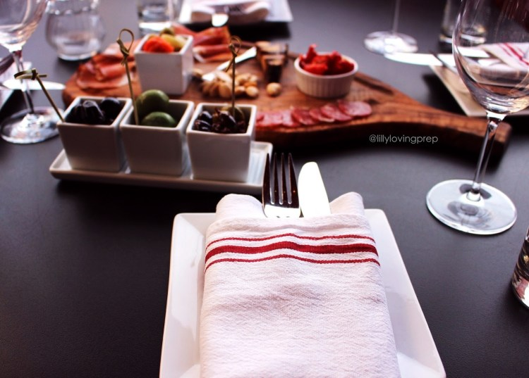 Dining Etiquette + Tipping Guide!