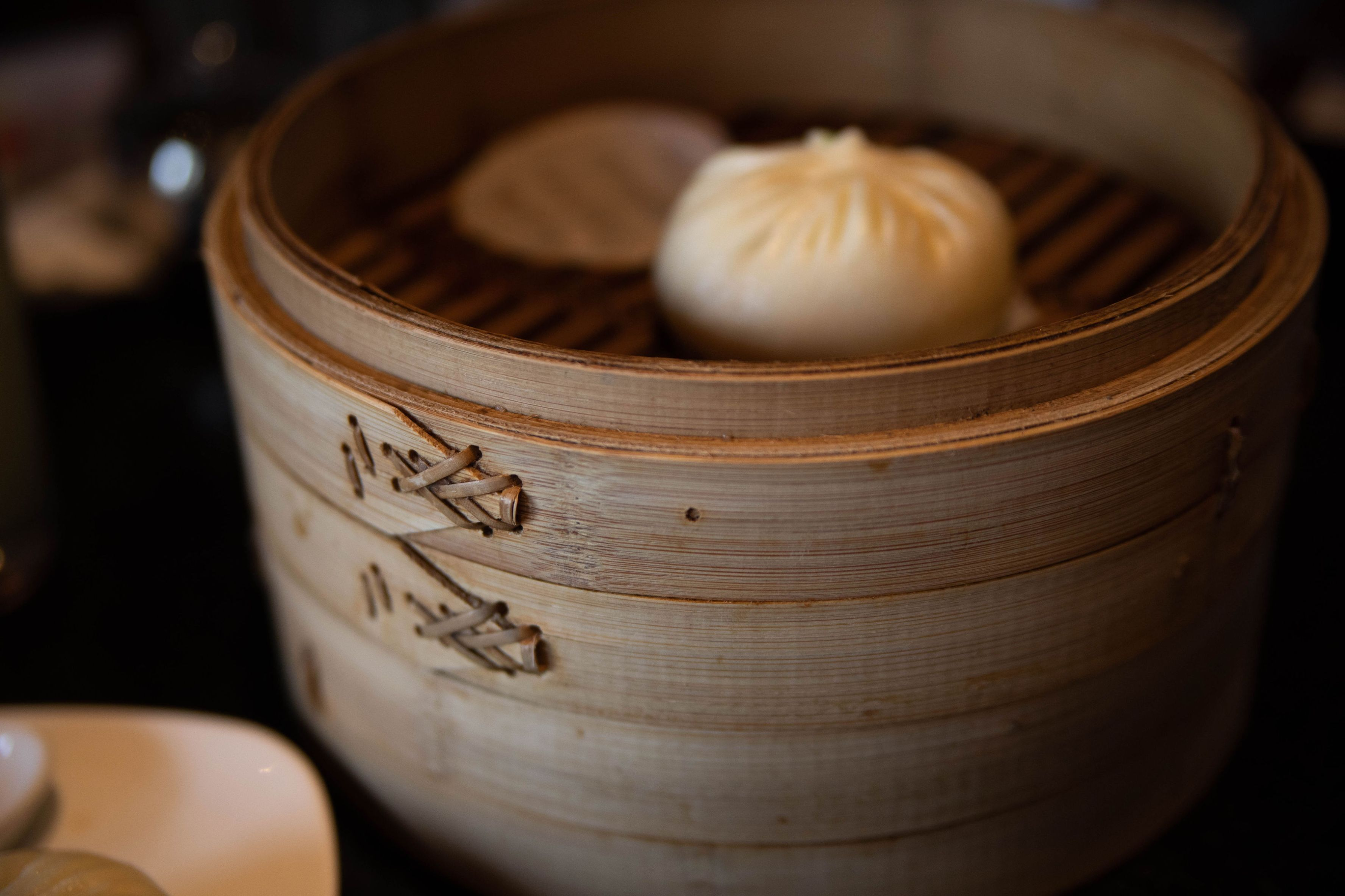 Los Angeles: The Complete Traveler's Guide by Annie Fairfax Din Tai Fun Dumplings