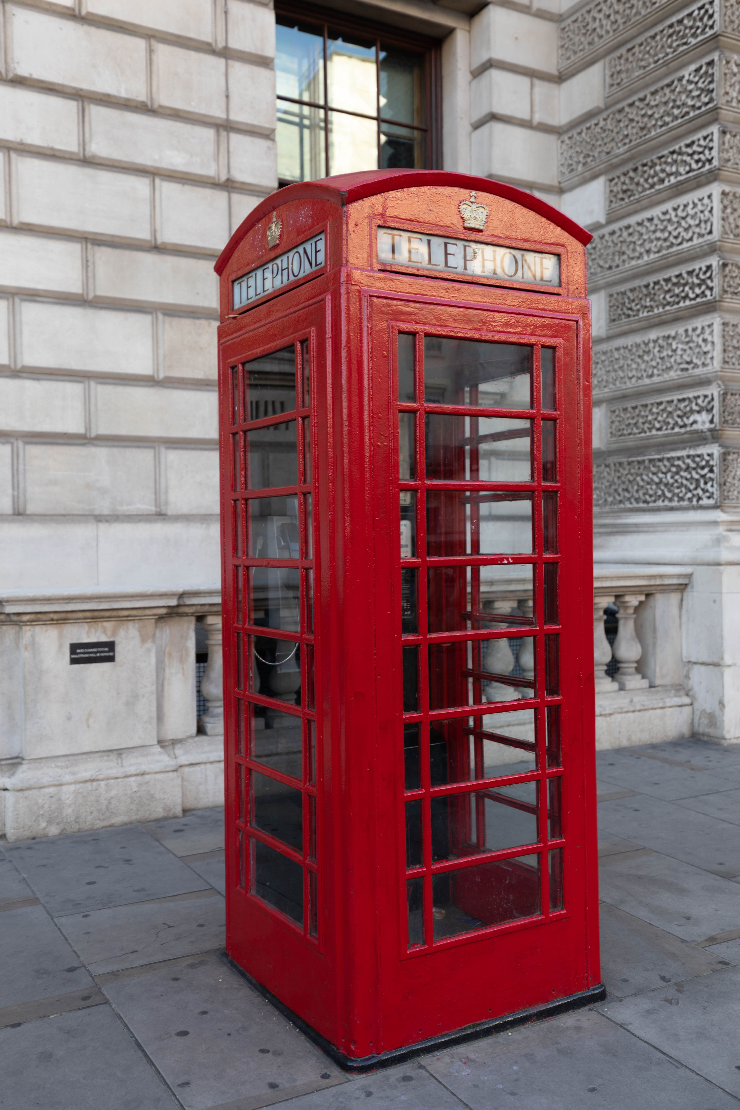 Red British Phone Booth London City Guide the Official Travel Guide of London, England