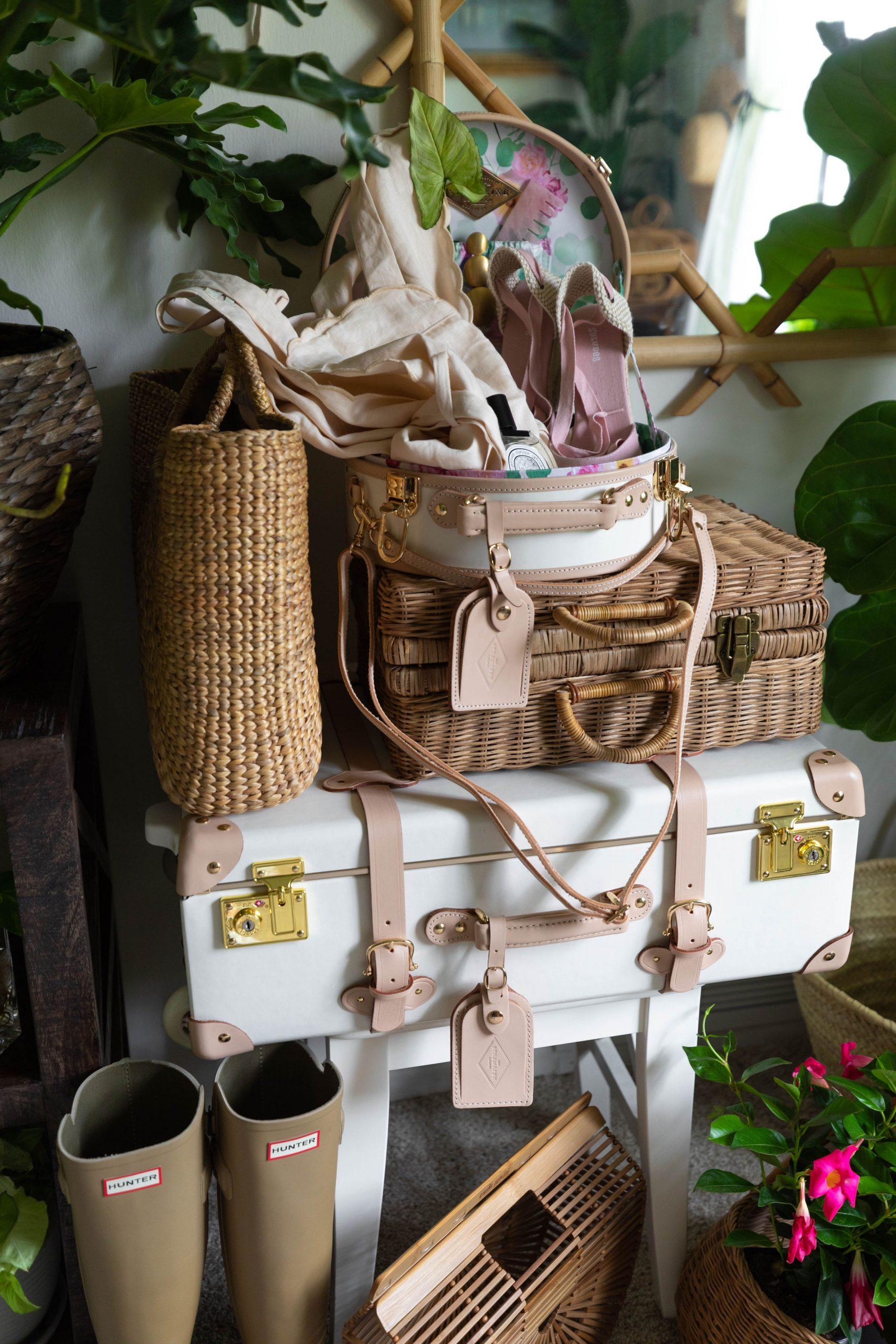 https://anniewearsit.com/steamline-luggage-packing-list/
