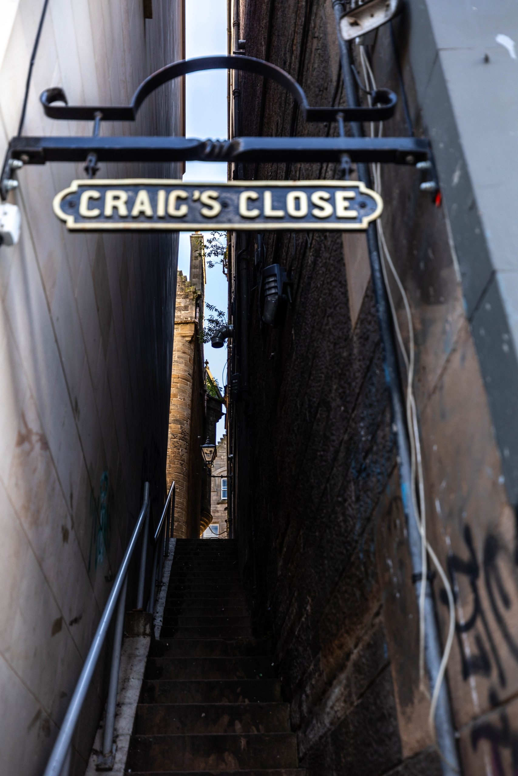 Craig's Close in Edinburgh Old Town Edinburgh the Luxury Travel Guide by Annie Fairfax Where to Eat What to Do Where to Stay Site Seeing in Edinburgh Honeymoon Vacation Ideas