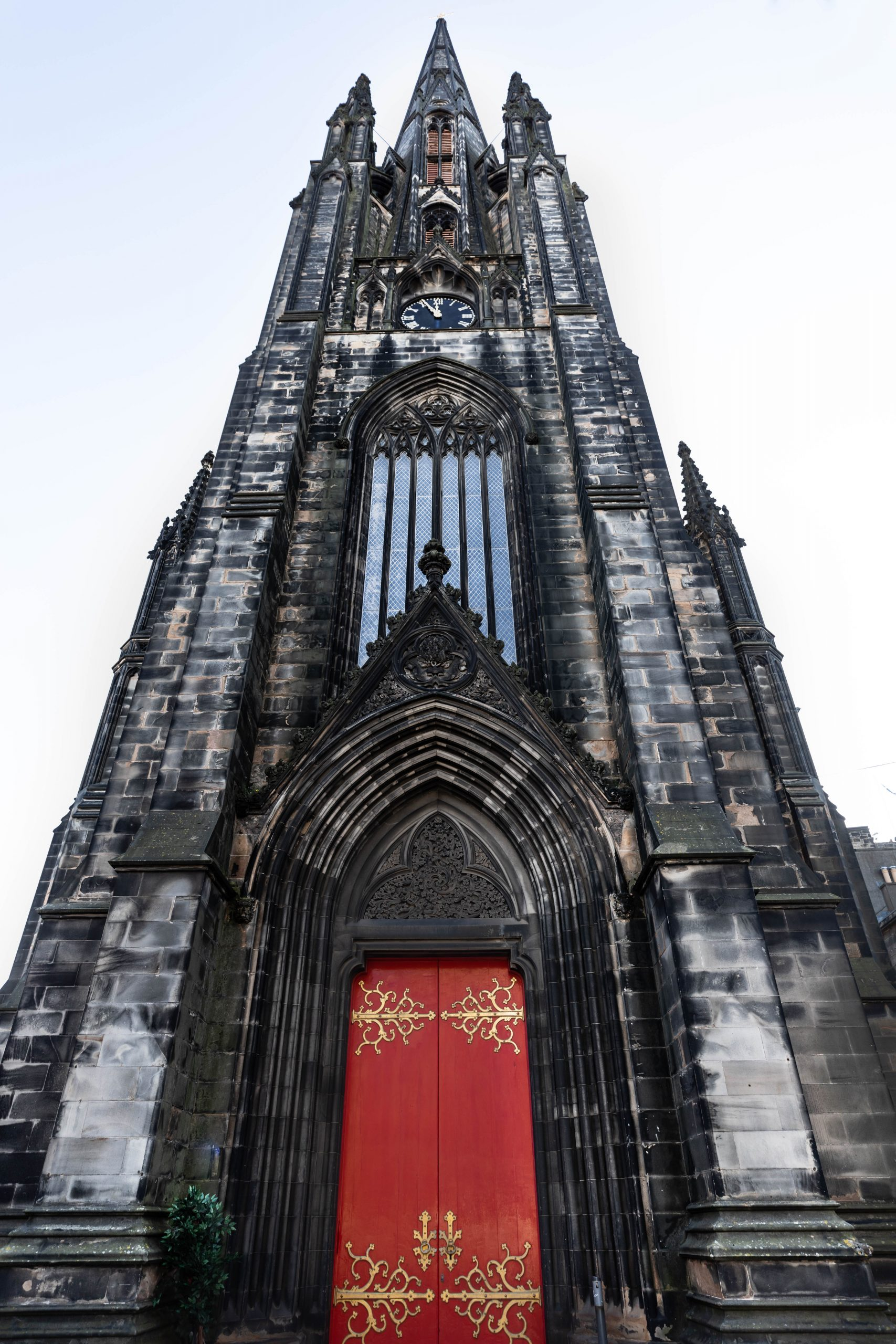 St. Columba's Free Church Edinburgh Old Town Royal Mile Edinburgh the Luxury Travel Guide by Annie Fairfax Where to Eat What to Do Where to Stay Site Seeing in Edinburgh Honeymoon Vacation Ideas