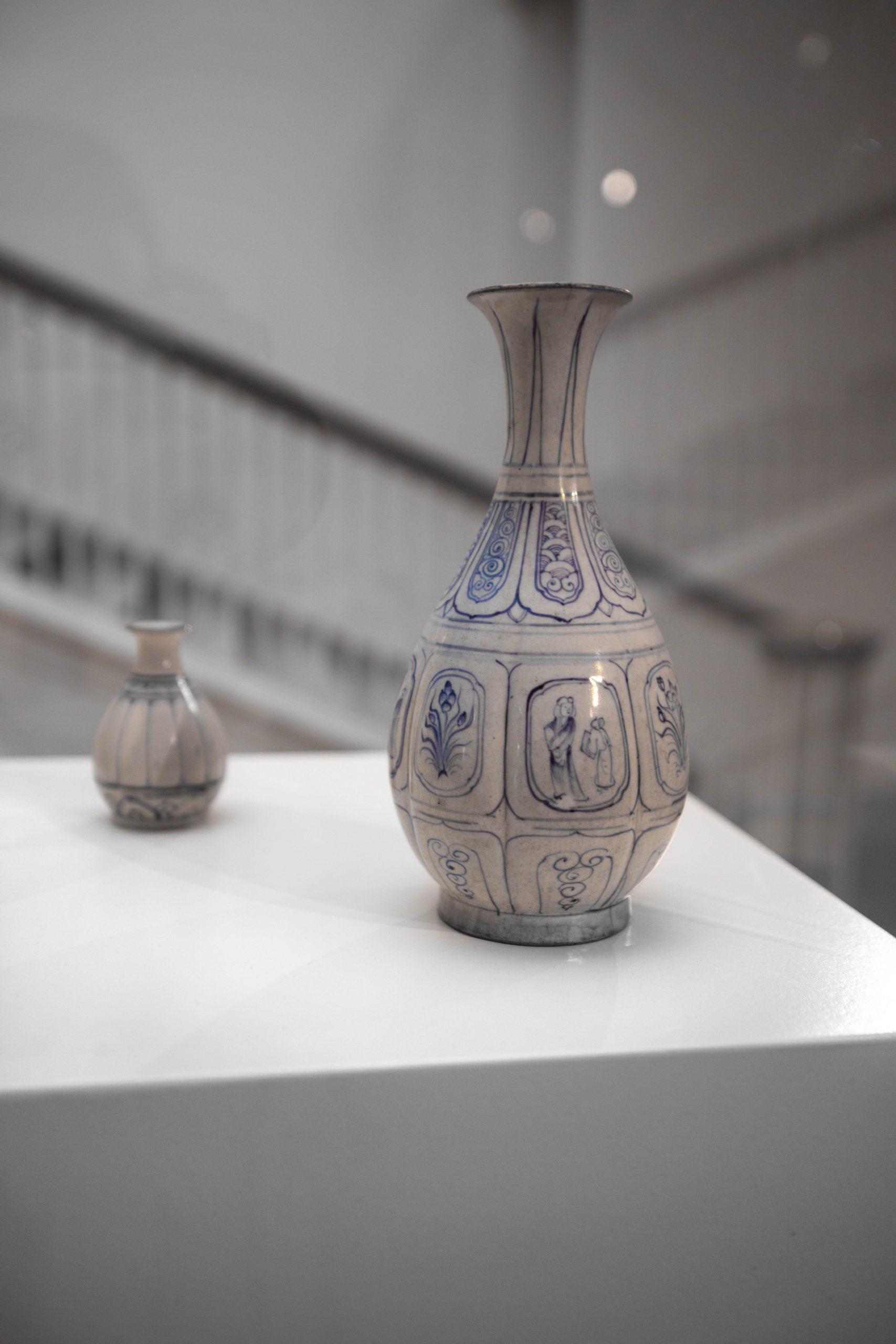 Ming Vase The Art Institute of Chicago in Chicago, Illinois by Annie Fairfax