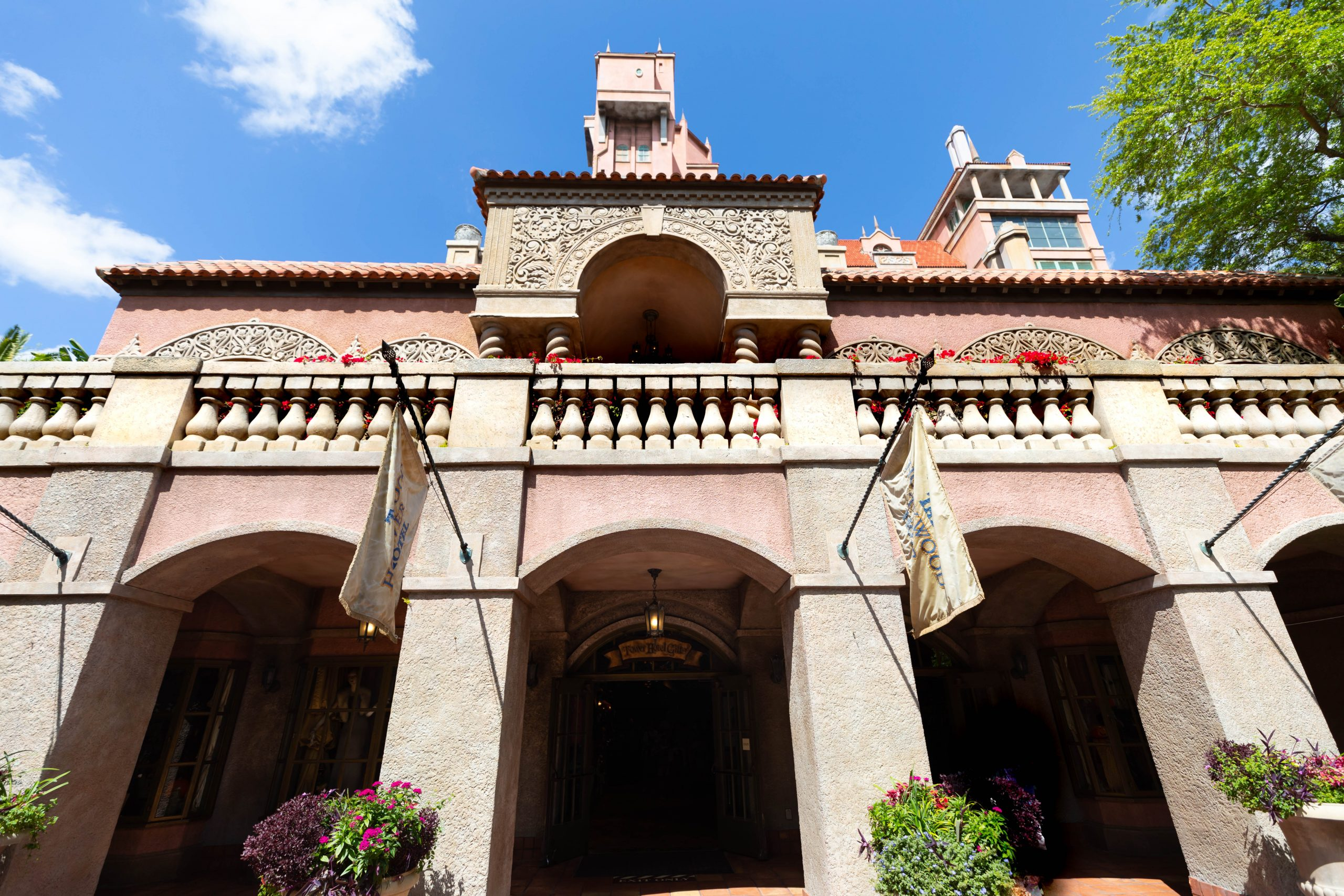 Hollywood Tower Hotel in Orlando, Florida Review by Luxury Travel Writer Annie Fairfax