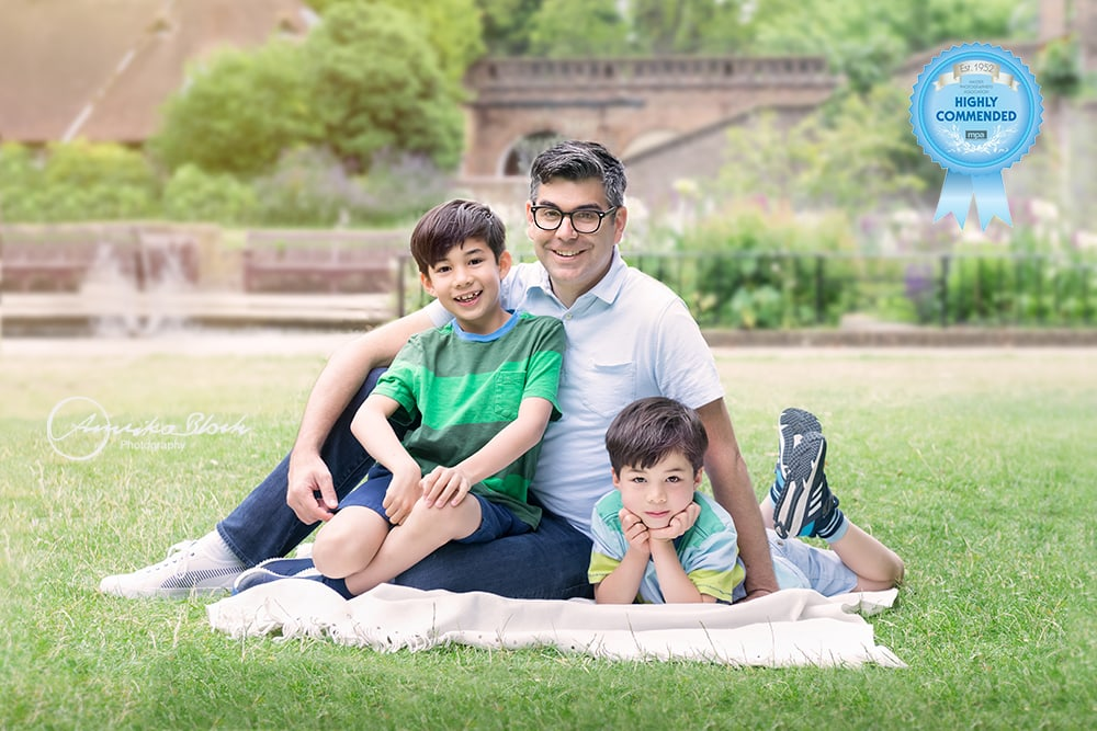 Family photography in Holland Park, London, Dad and boys
