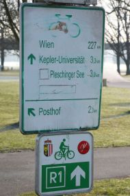 Leaving Linz towards Vienna (Wien) along the Danube Bike path.
