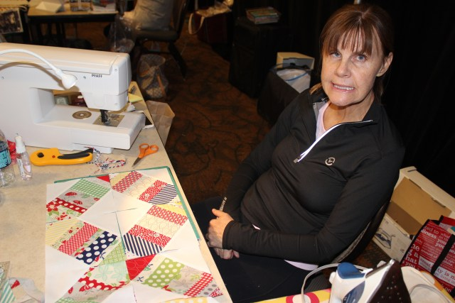 2015-4 American Quilting Retreat (100)