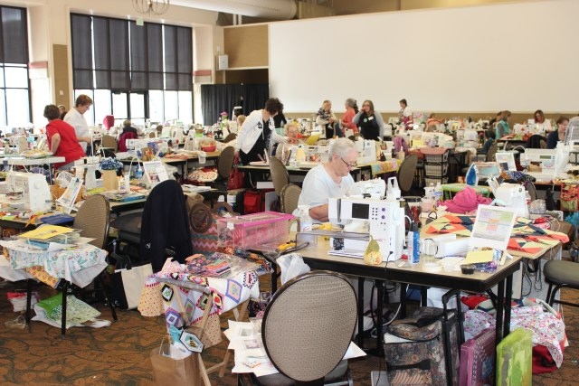 2015-4 American Quilting Retreat (127)