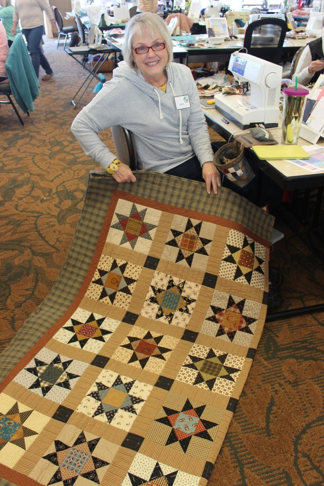 2015-4 American Quilting Retreat (58)
