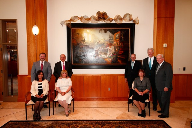 "1508-64 258 1508-64 Greg Olsen Painting Unveiling of Greg Olsen's new painting ""Treasures of Knowledge"" that will be displayed in the family room of the Gordon B. Hinckley Visitors and Alumni Center. The painting was commissioned by Leo and Annette Beus. August 19, 2015 Photo by Jaren Wilkey/BYU © BYU PHOTO 2015 All Rights Reserved photo@byu.edu  (801)422-7322"