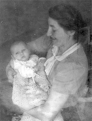 Meisel, Charlotte and Christine Lewis 1942 LA