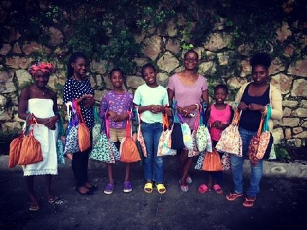 2016-11-2 Kits arrive in Haiti