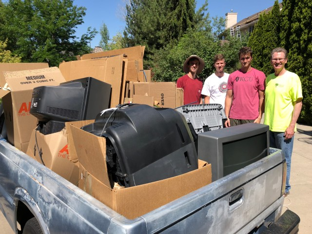 2018-7-6 Old TVs to the dump (4)