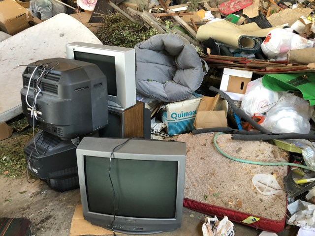 2018-7-6 Old TVs to the dump (9)