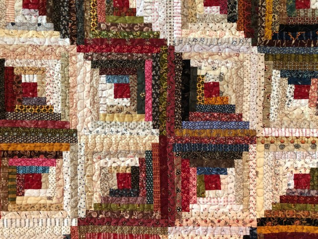 2019 Log Cabin Variation 2 by Ann Lewis (2)