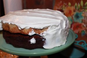 DOUBLE LAYER CAKE WITH FLAKED CHEESE CREAM FROSTING