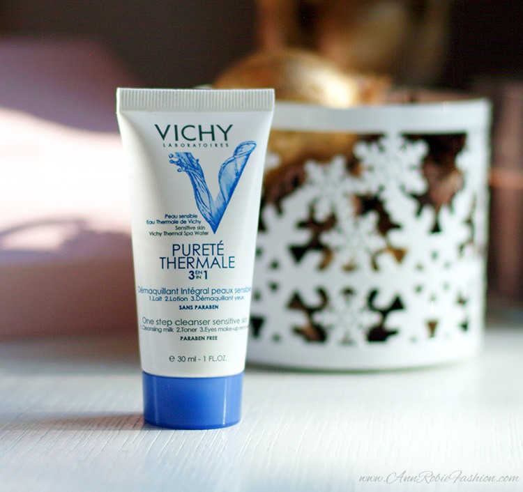 Glossybox January 2015: Vichy cleanser, review by Ann Robie